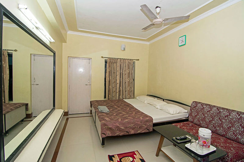 Double Bed Hotel In Digha